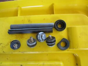 EVINRUDE JOHNSON outboard 6hp 7 5HP 8hp GROMMET Engine cover & SEALS