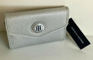 NEW-TOMMY-HILFIGER-SILVER-MEDIUM-FRENCH-CLUTCH-WALLET-35-SALE