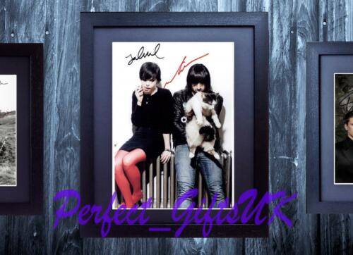 CRYSTAL CASTLES FRAMED /& MOUNTED SIGNED 10x8 REPRO PHOTO PRINT