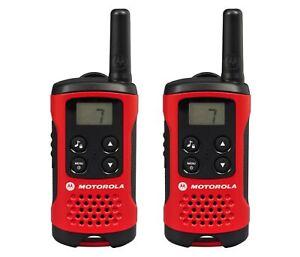 Motorola-TLKR-T40-2-Way-Walkie-Talkie-Gift-Set-PMR-446-Radio-Kit-4km-Red-2-Pack