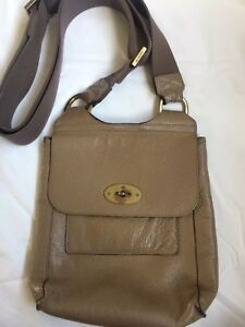 Image is loading Mulberry-Antony-Small-In-Great-Condition-Cross-Body- 677cee4397dc5