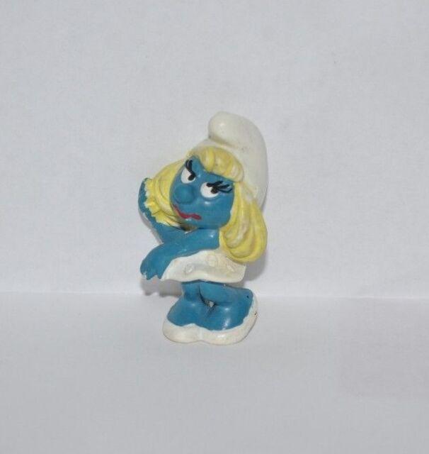 SMURFETTE vintage PVC Figure 1980s Schleich   PEYO  Smurfs