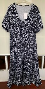 Sportscraft jersey Vneck long floral DRESS,size 12,NEW w tag,excellent condition