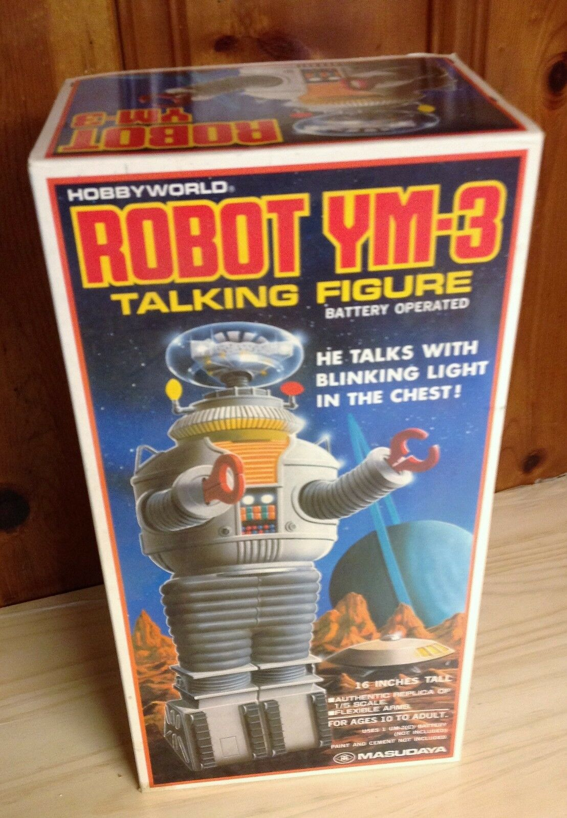 VINTAGE MASUDAYA TALKING LOST IN SPACE YM-3 ROBOT 16  TALL FIGURE WITH LIGHT