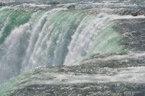 Niagara-Close-Up-Digital-Photo