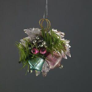 Gablonzer-Ornament-mit-Blatt-und-Gansfederzweig-um-1930-12456