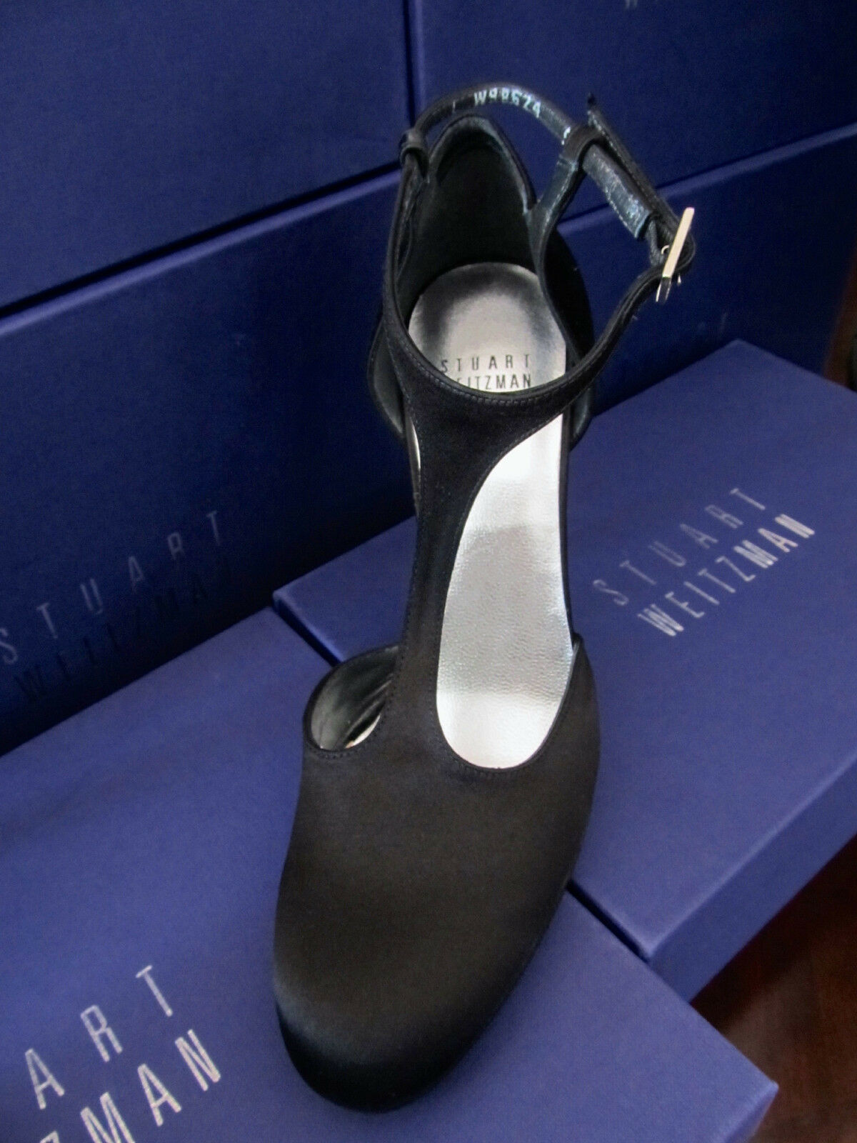 NEW STUART WEITZMAN Damenschuhe Schuhe SZ 7.5 GLOOVALTEE BLACK SATIN & LEATHER GLOOVALTEE 7.5 T STRAP 8cb329