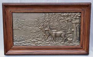 Altes-schweres-Bronzerelief-Rehe-im-Wald
