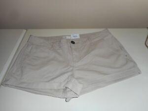 454fac7466 Kohls SO Shortie Stretch Khaki Shorts Size 17 Juniors NWT  26 ...
