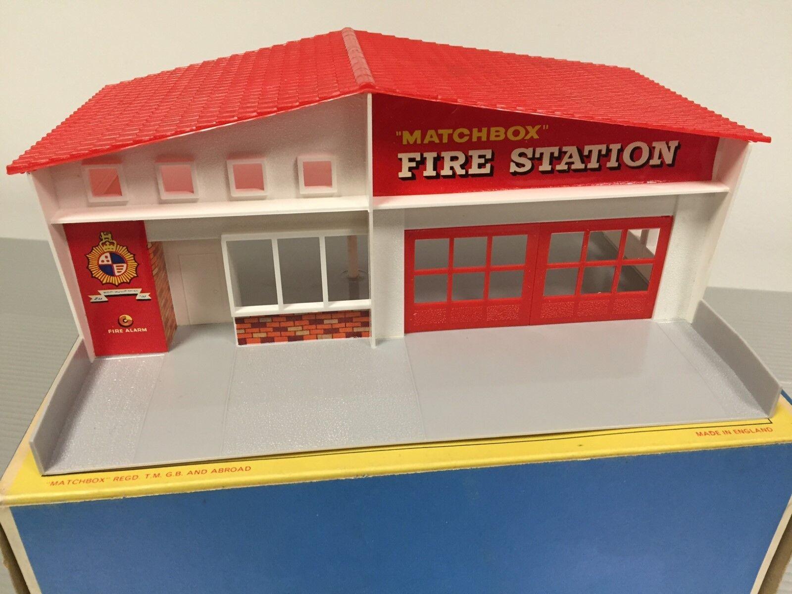 Vintage Matchbox   MIB   Caserne de Pompiers Construction   Rouge Toit   N0.