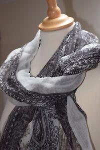 Etnika-Scarf-Black-Cream-Fabric-Patterned-Scarf-Accessory-Handmade-in-India-SALE