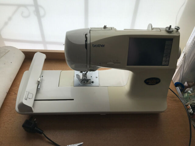 BROTHER EMBROIDERY/SEWING MACHINE SUPER GALAXIE 2000