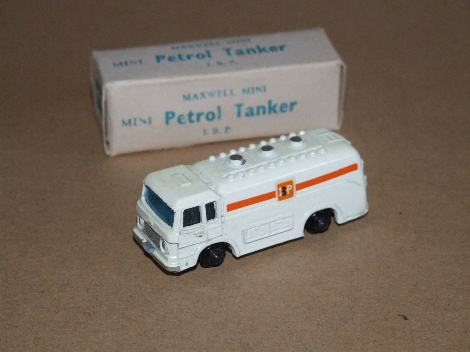 Maxwell Mini (Inde) 582 PETROL TANKER IBP
