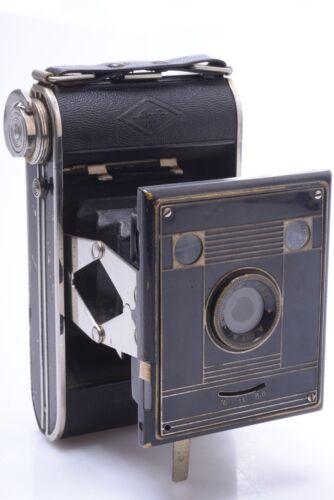AGFA BILLY CLACK NR.51 'ART DECO' 4.5X6CM ON 120 ROLL FILM CAMERA
