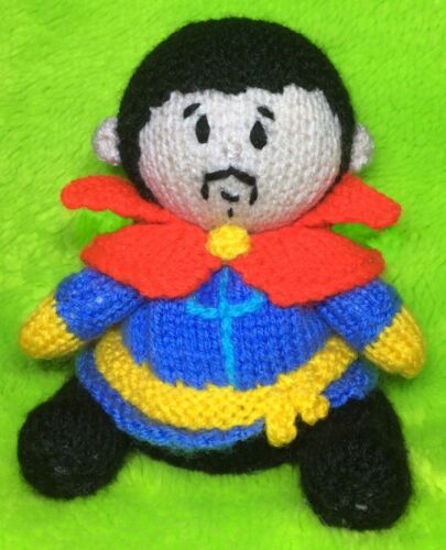 KNITTING PATTERN Doctor Strange inspired chocolate orange cover or 14 cms toy
