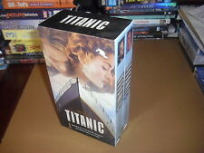 Titanic (VHS, 1998, 2-Tape Set, Pan-and-Scan) Leonardo DiCaprio, Kate Winslet