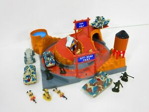 Micro-Machines-Military-Terror-Troops-Off-Road-Playset-Battle-Zone-Army-Figures
