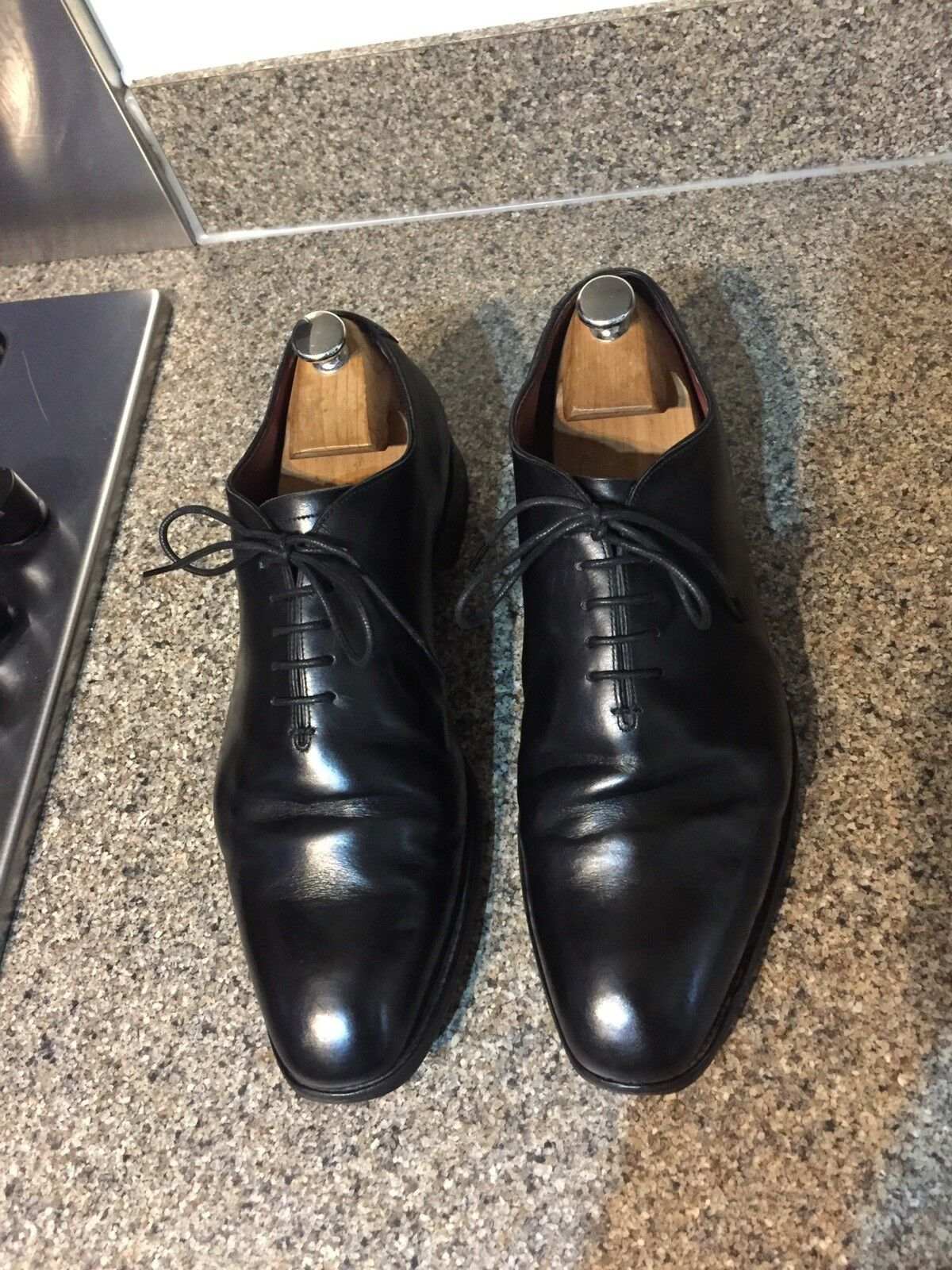 35f8077cdaa8 Charles Tyrwhitt homme homme homme noir cuir veau Made in England wholecut  Chaussures 10.5 F | Service Supremacy 6ae307