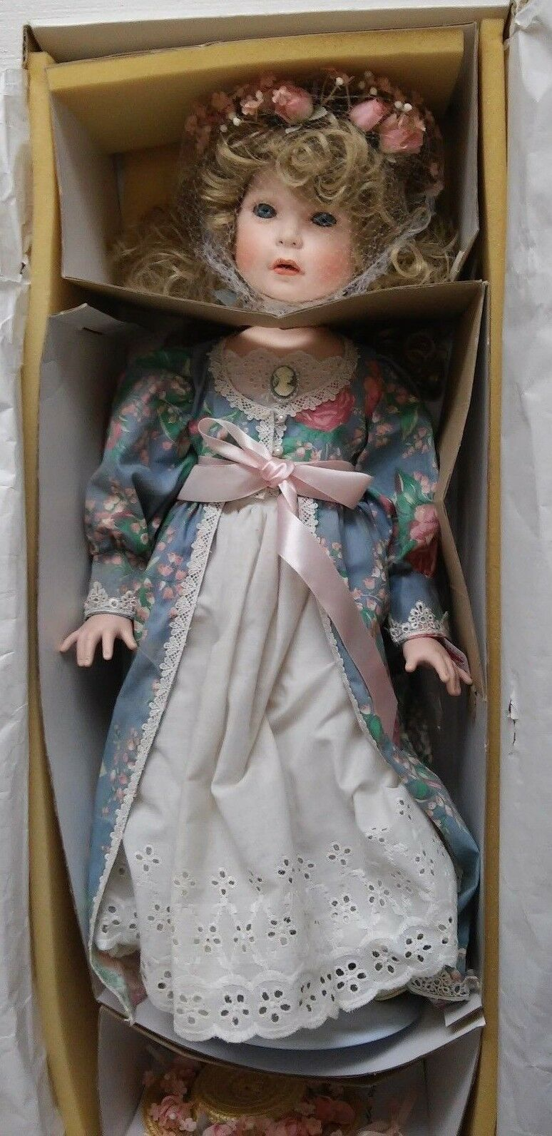 WORLD GALLERY DOLLS MErossoITH BY VINCENT J DEFILIPPO LTED ED 267/1500 EUC BOX 23