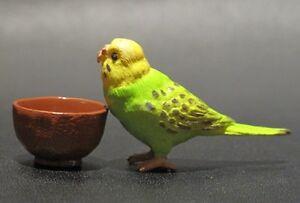 Dollhouse-Miniature-Bird-Green-Parrot-Budgerigar-Budgie-CUTE-4cm-L