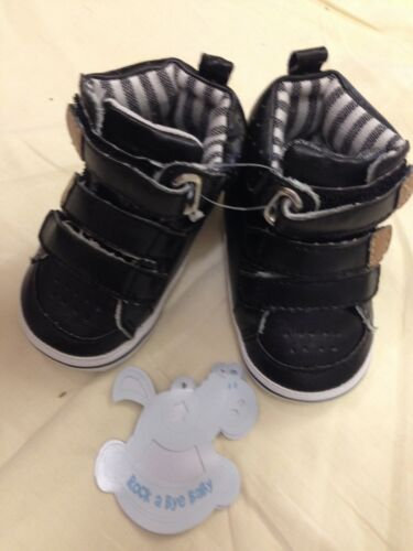 baby babies shoes hi tops black soft soled boys high tops boots bootees 0-6M