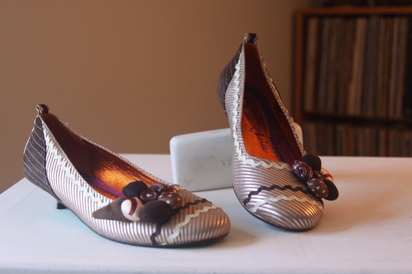 Irregular Choice Browns Kitten Tans Embellished Fabric Buttons Kitten Browns Heels Pumps Sz 40 3e2b21
