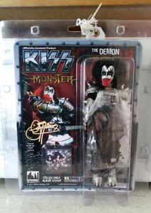 Kiss Figurine Gene Simmons Deluxe Sanglante Variante Poupée Monster-afficher Le Titre D'origine De Haute Qualité Et Peu CoûTeux