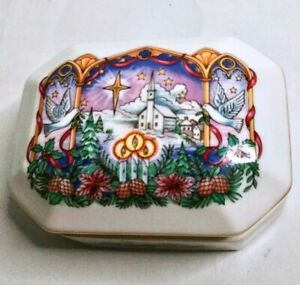 Vintage-HERITAGE-HOUSE-Melodies-Of-Christmas-Porcelain-Music-Box-034-O-Holy-Night-034