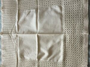 Beautiful-Vintage-Hand-Embroidered-Linen-Tablecloth