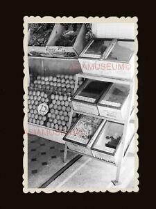 1940s-Fruits-Stall-Box-Market-Street-Scene-Vintage-Hong-Kong-Photo-1838