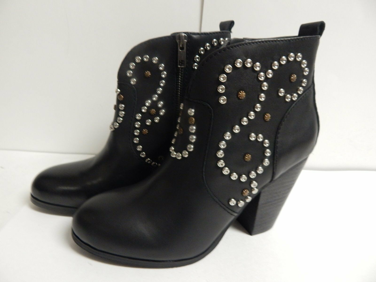 Steve Madden Awsum Ankle Bootie 9 M Black Leather  New With Box