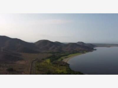 Terreno en Venta en Cerca del Puerto de Manzanillo ideal para patio de maniobras, bodegas,etc