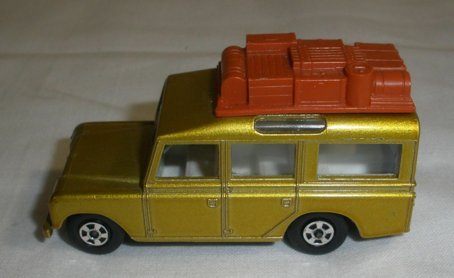 Matchbox Landrover Safari Collectors Quality Condition gold