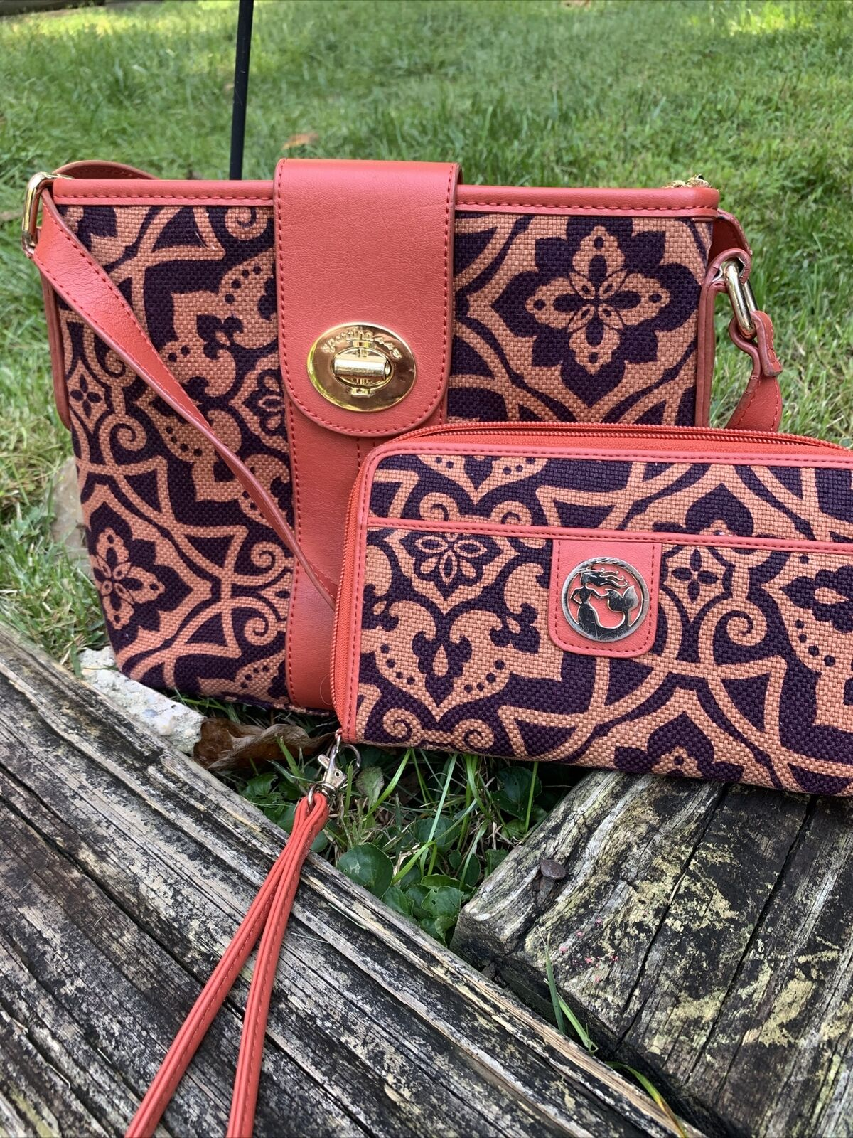 Spartina Crossbody With Matching Wallet Just In Time For The Fall