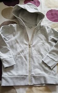 BOYS-HOODIE-MARKS-AND-SPENCER-SIZE-5-6-YEARS
