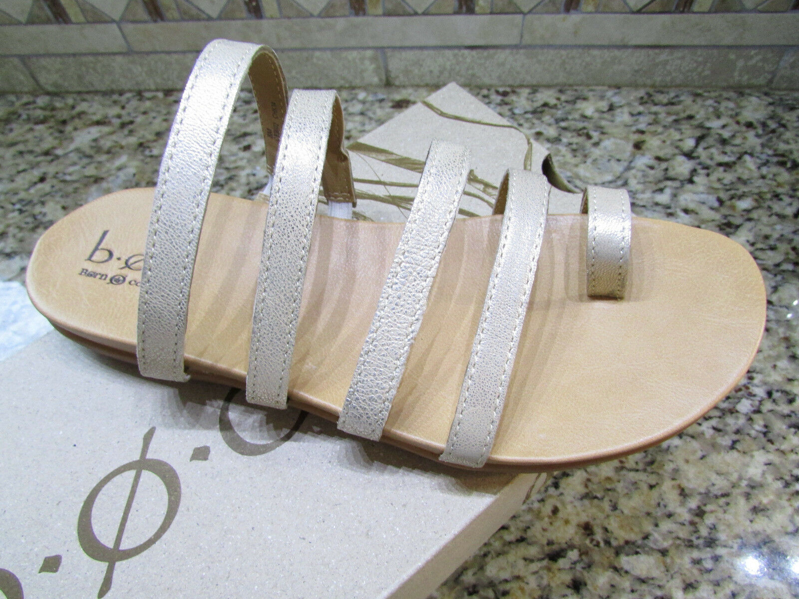 NEW BORN B.O.C MINDI NATURAL SANDALS WOMENS 8  SLIDES TOE LOOP FREE SHIP