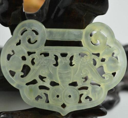 Chinoise Belle naturel jade Hollow lock en forme de chance jade Pendentif en forme de ramener la paix