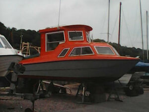 20ft-boat-with-50Hp-Etect-Evinrude-Engine-and-7ft-Tender-Extras