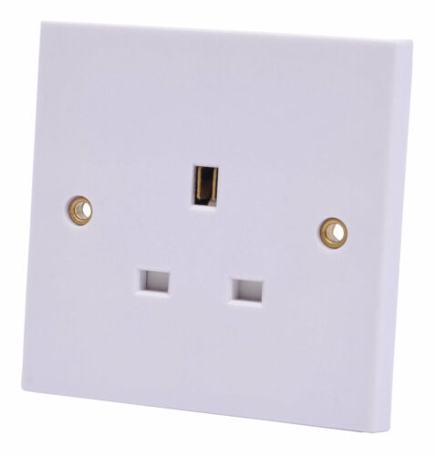 NEW B/&Q Power Pro 13A White Unswitched Single Socket
