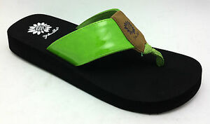 Yellow-Box-Women-039-s-NEW-034-Rozanne-034-Lime-GREEN-amp-Black-Sandals-Flip-Flops-SIZES