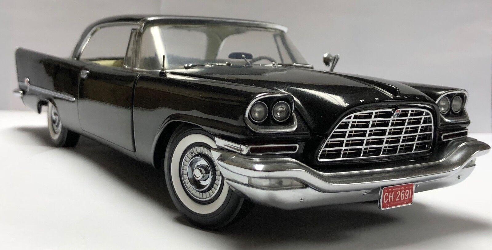 ERTL Chrysler 300 C 1957 1 18 Diecast