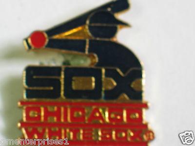 b1 Lrg Zu Hohes Ansehen Zu Hause Und Im Ausland GenießEn Vintage Emaille Reversnadel Flight Tracker Chicago Weißes Sox Pin-flagge