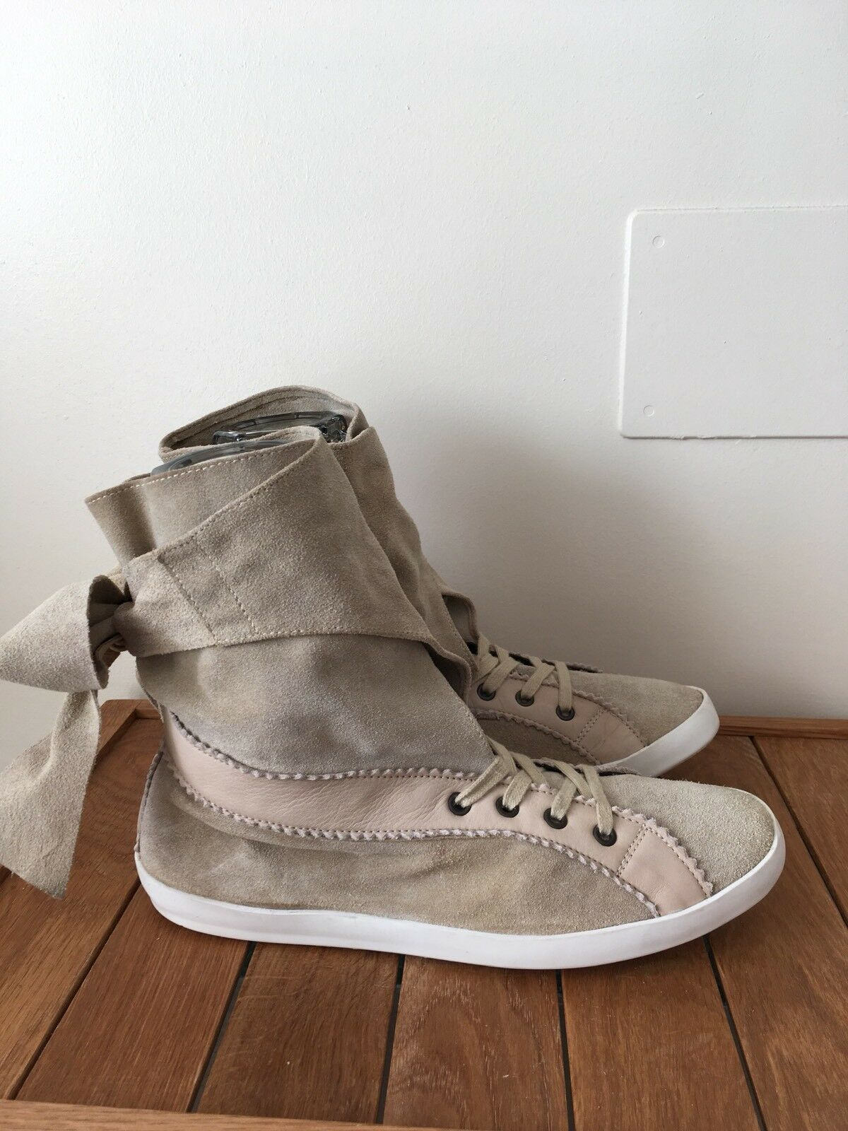 Manoush High Top Suede Trainers Beige Cream Bow Decoration 41 / UK 8