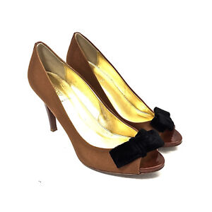 ae385559d6e Details about Women s J. CREW Caramel Fabric   Patent Leather Heels w Black  Velvet Bow Size 9