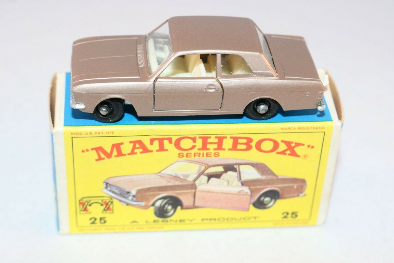 sport dello shopping online Matchscatola Lesney No 25 Ford Cortina very very very near mint in scatola  compra meglio