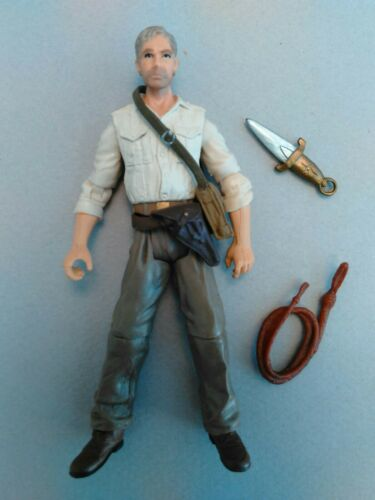 NEAR Comme neuf Hasbro INDIANA JONES KOTCS Hasbro 1//18 ACTION FIGURE No Bazooka