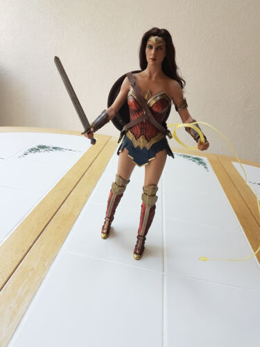 MMS451 Toys Hot JUSTICE LEAGUE Wonder Woman Deluxe amazzonico SCATOLA MADRE