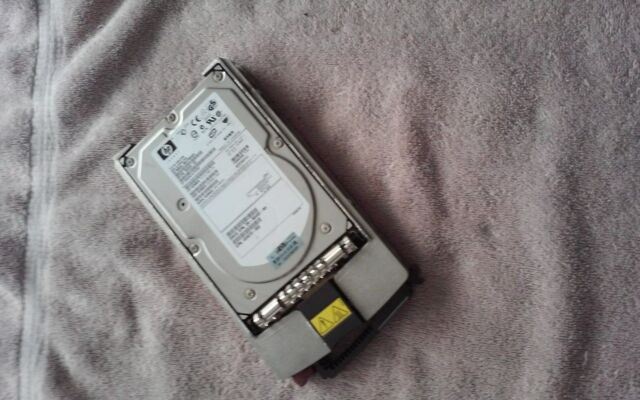 """HP 365695-007 3R-A6179-AA 404670-003 - 72.8GB 10K 80-PIN U320 SCSI 3.5"""" W/ TRAY"""