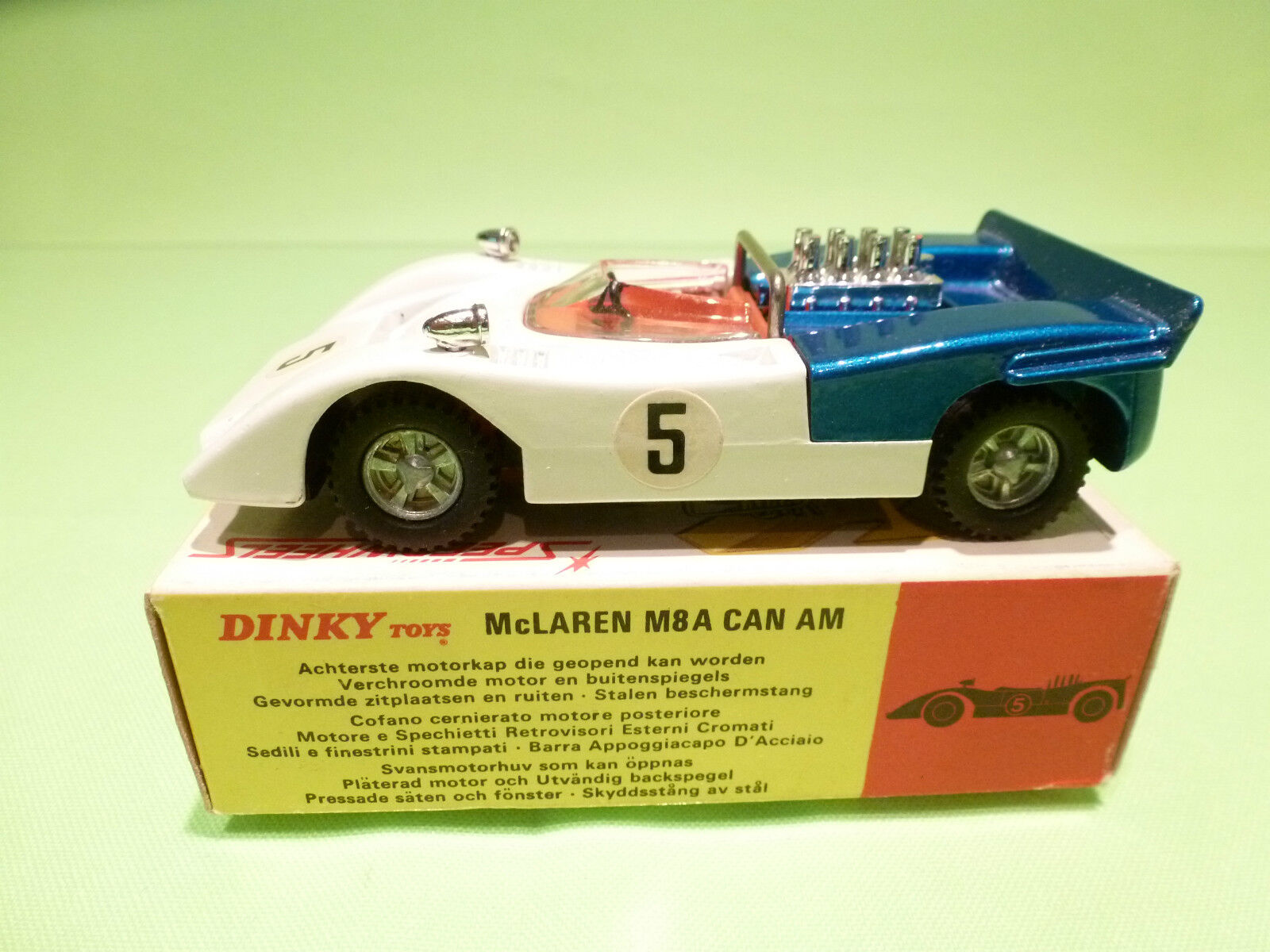 DINKY TOYS  223 MCLAREN M8A CAN AM - WHITE 1 43 - RARE SELTEN - NEAR MINT IN BOX