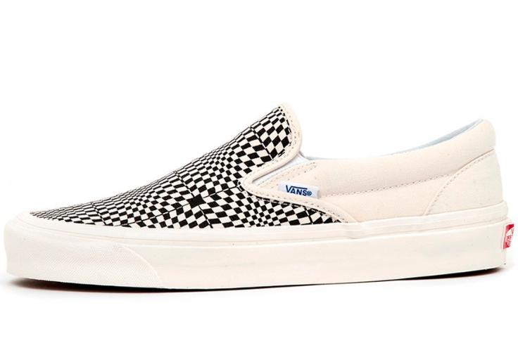 Vans Mens's Anaheim Factory Classic 98 DX Slip-on shoes, OG Black White